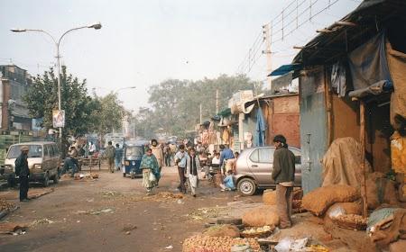 06. Pe strazile din Delhi.jpg