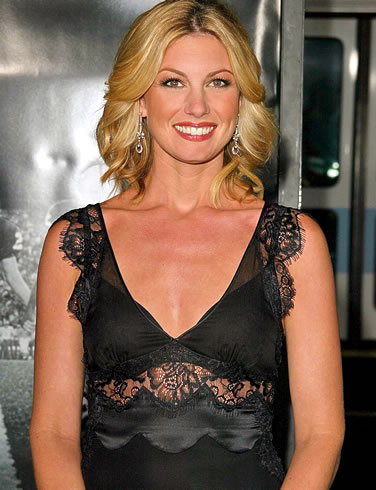 Photos of Famous American Country Singer Faith Hill