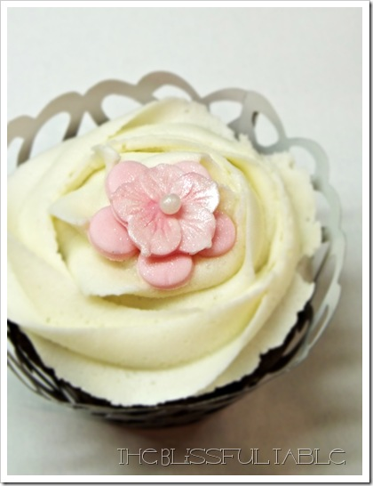 cupcakes with flowers 011a