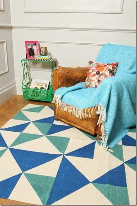 Niebieski_salon_-_kolory_we_wnetrzu_-_aranzacja_wnetrz_-_niebieski_dyw_4068