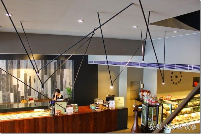 台南-地球咖啡烘培美食-早午餐。地球咖啡府前店的設計裝潢。