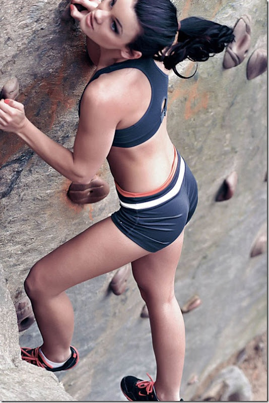 girls-rock-climbing-30