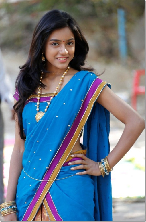 Telugu Actress Vithika Photos in Half Saree