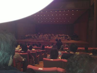 音楽文化会館でこんな感じで演奏が行われました。 懐かしい雰囲気です。