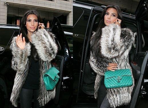 kim-kardashian-chanel-2-55-verde-acqua