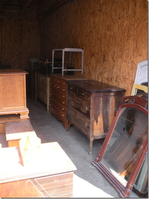 store and garage 042