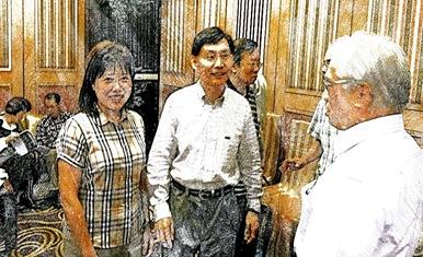 左劉高武伉儷, 中王鵬東, 右歐鴻基