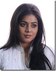 Telugulo Naaku Nachani Padam Prema Actress Poorna Stills