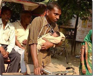 tukang becak dan bayinya