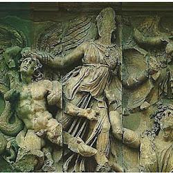 104 - Escuela de Pergamo - Detalle de la lucha de Atenea del Altar de Zeus