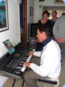 Peter Littlejohn familiarized himself with the Korg Pa3X