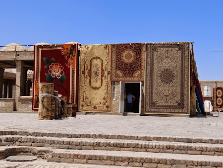 24. Covoarele din Bukhara.JPG