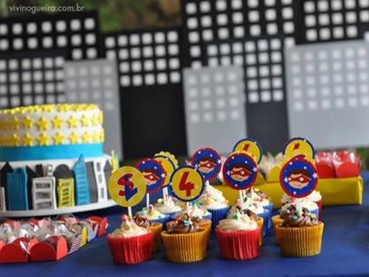 mesa-2-cupcakes--festa-infantilsuper-heroi-universo-materno