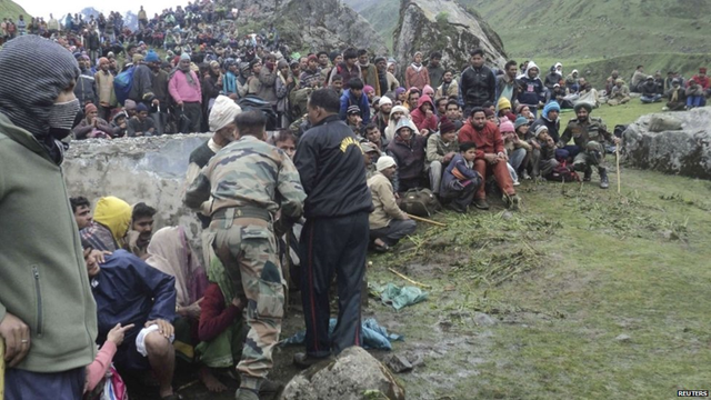 India military tends to flood survivors in Uttarakhand, India, 20 June 2013. Photo: BBC