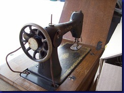Singer Treadle - Head Back