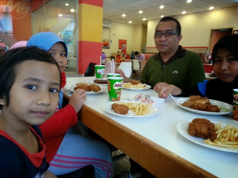 Makan-Makan kat Restoran Marry Brown