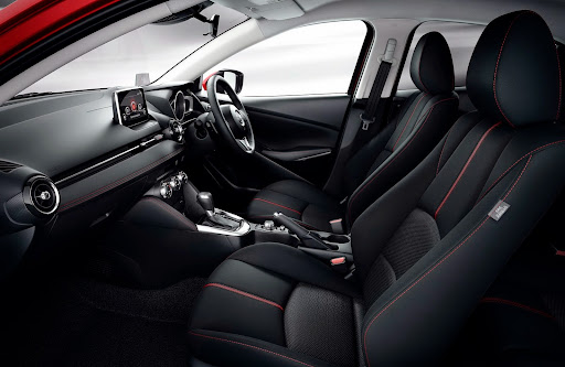 2015-Mazda2-Demio-23.jpg
