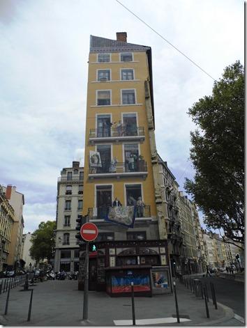 Lyon 18