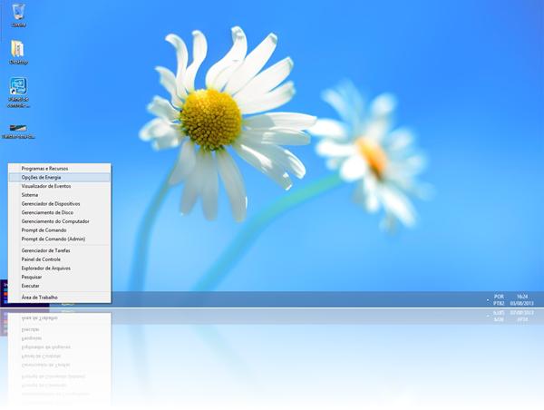 Na Área de Trabalho, clique com o botão direito no canto inferior esquerdo da tela e clique em Opções de Energia