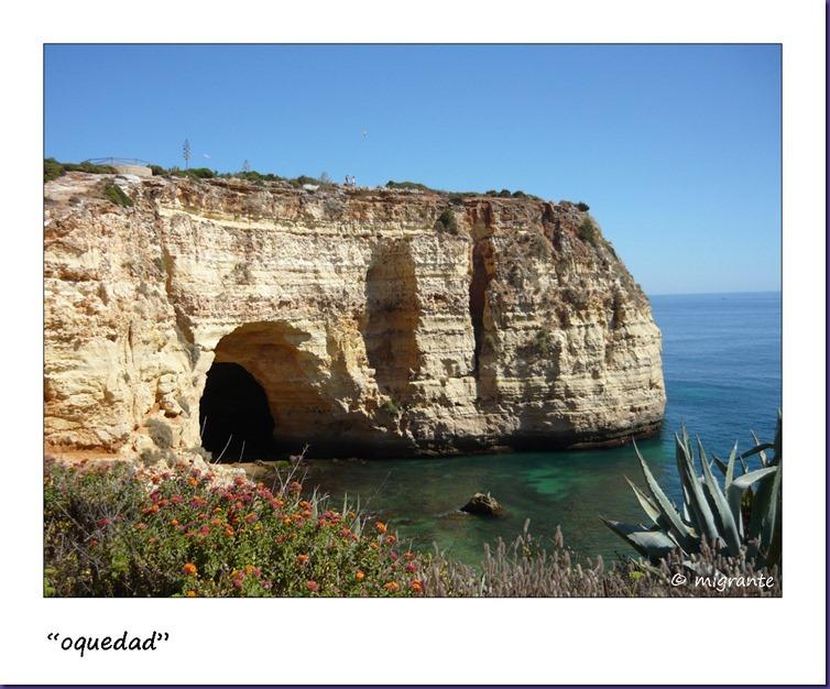 la cueva y el mar