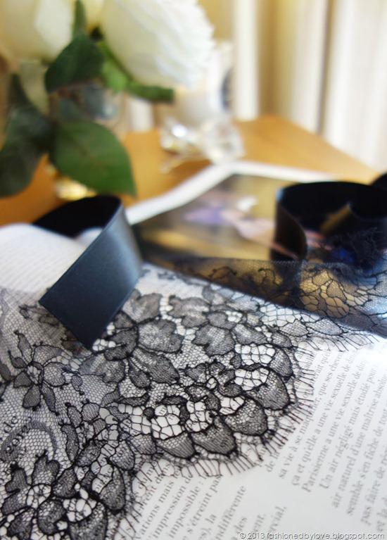 myriam-girard-lingerie-mask