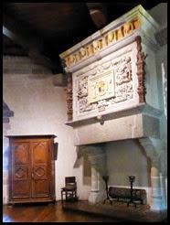 vitre chateau fireplace