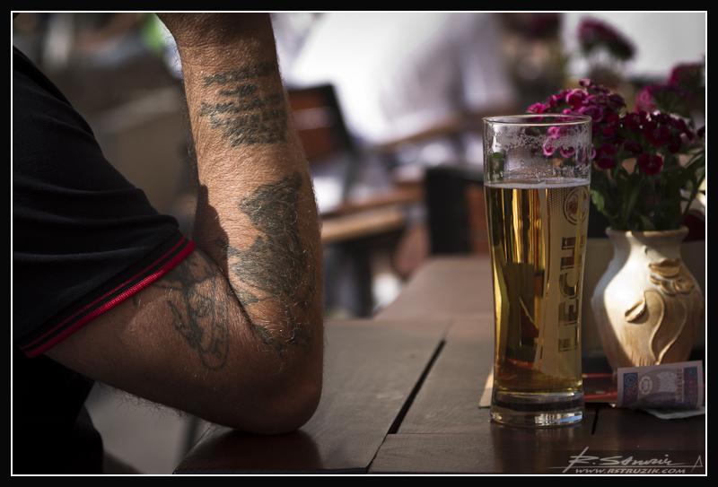 ...najlepszy łyk piwa. Kraków. Rynek Mały, a odkrycie wielkie... Gorąca, jarmarczna atmosfera potrafi się udzielać.