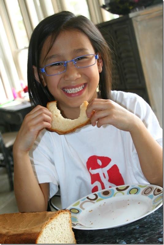 A Maisie ing Bread