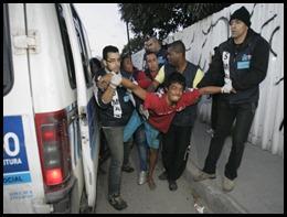 Ação assistência social - Osvaldo Praddo - Agência O Dia - Manguinhos - 28.06.2011