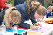 Schoolkorfbaltoernooi ochtend 17-4-2013 384.JPG