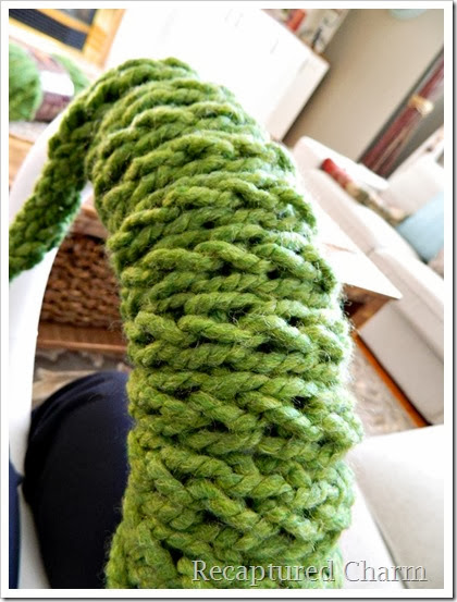 Christmas Finger Knitted Wreath1