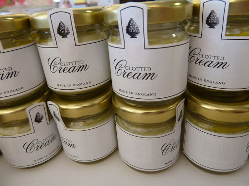 The second favor, clotted cream, made in Olly's native England, came in mini round jars decorated with similar labels.