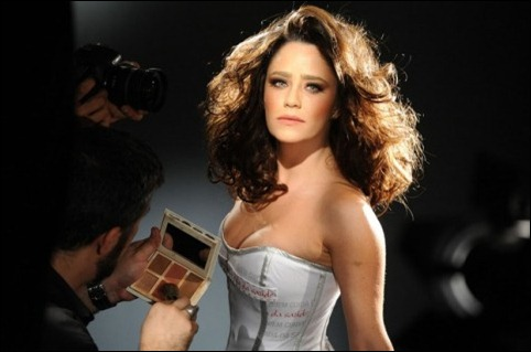 Fernanda Vasconcelos campanha L'Oréal