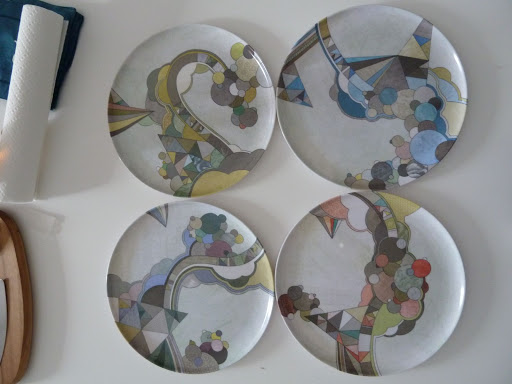 Poketo makes this set of cute and graphic melamine plates called