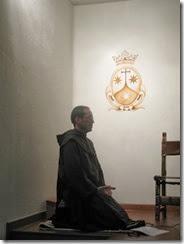 Postura que conviene para Orar, Fr. Miguel''