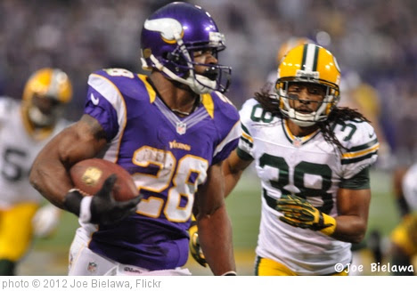 'Vikings v Green Bay -DSC_1482- 12:30:12' photo (c) 2012, Joe Bielawa - license: https://creativecommons.org/licenses/by/2.0/