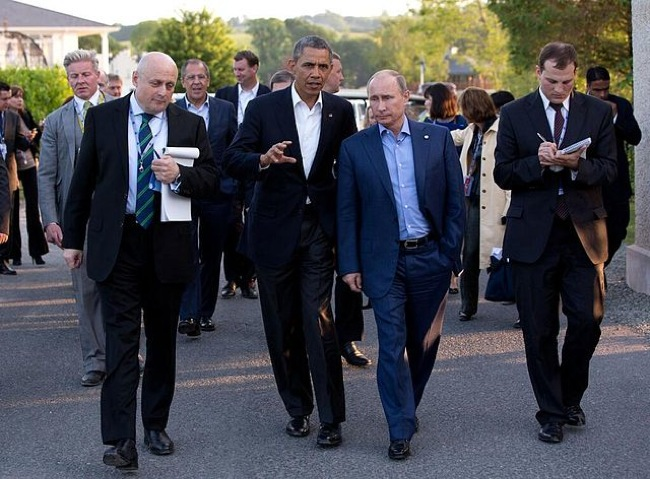 CC Photo Google Image Search Source is upload wikimedia org  Subject is 640px Barack Obama and Vladimir Putin walking in Ireland