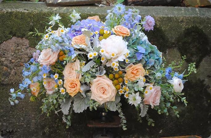 425356_651891971491192_1374299422_n rebecca shepherd floral design
