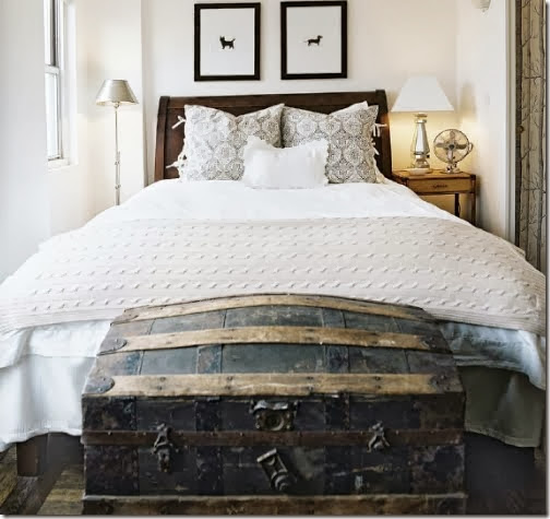 bedroom_natural-ivory-black-white-trunk-foot-of-bed-modern-country_lonny-mag-april-may-10
