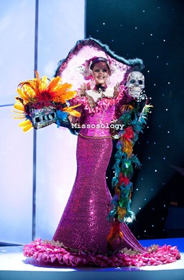 miss-uni-2011-costumes-10