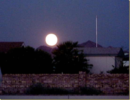 2012-09-30 - AZ, Yuma - Harvest Moon over the foothills -003