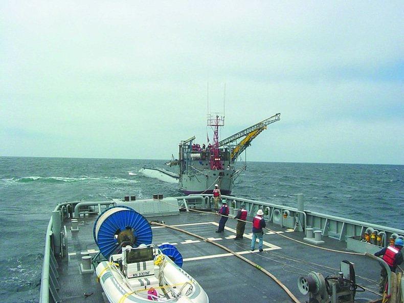 فليب أغرب سفينة أبحاث في العالم  Flip-ship-6%255B2%255D