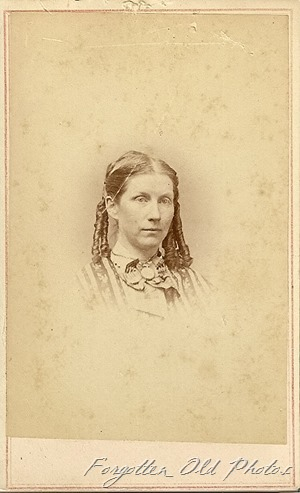 Lady with Ringlets CdV Solway