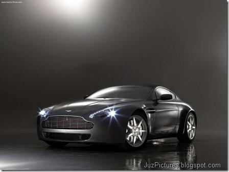 Aston Martin V8 Vantage1
