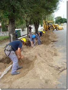 Continúan las obras de extensión de la redes de cloacas y agua potable