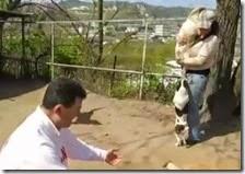 Bukaman visita il canile di Bagnoli
