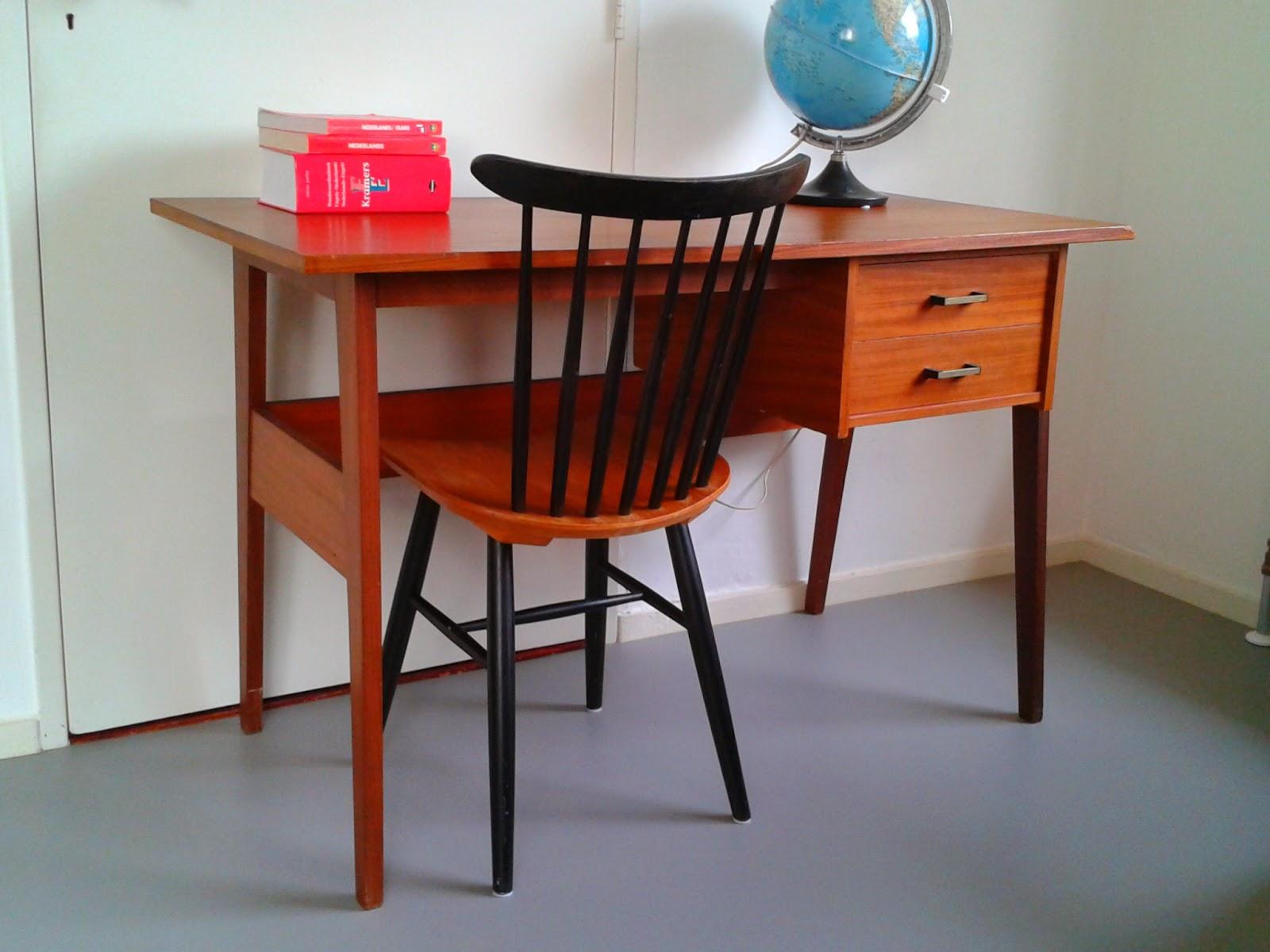 Retro jaren 50 bureautje in vintage staat for Jaren 50 60 meubels