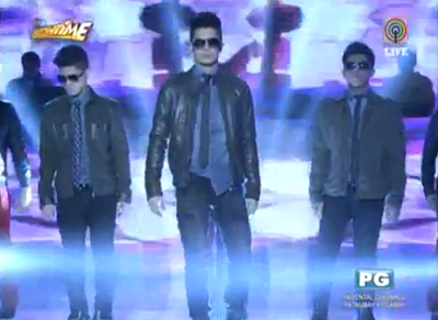 Vhong Navarro with sons Bruno and Yce