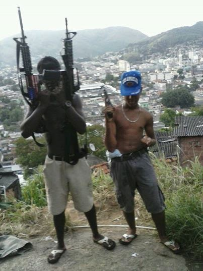 in-photos-the-social-media-of-brazils-gang-wars-article-body-image-1395351367.jpg