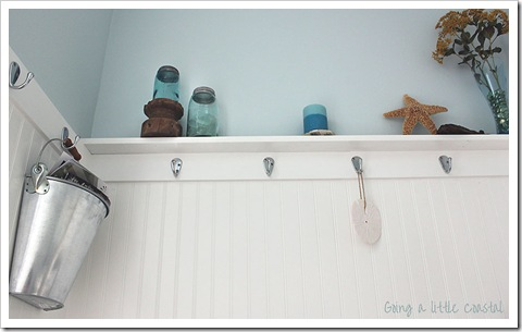 coastal decorations in bathroom